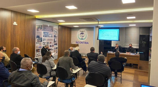 Primeira reunião presencial de diretoria do Sicontiba em 2021 – A vida voltando ao normal